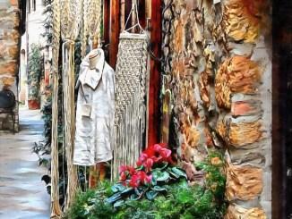 Shopping in Pienza