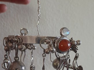 decoration with old jewellery