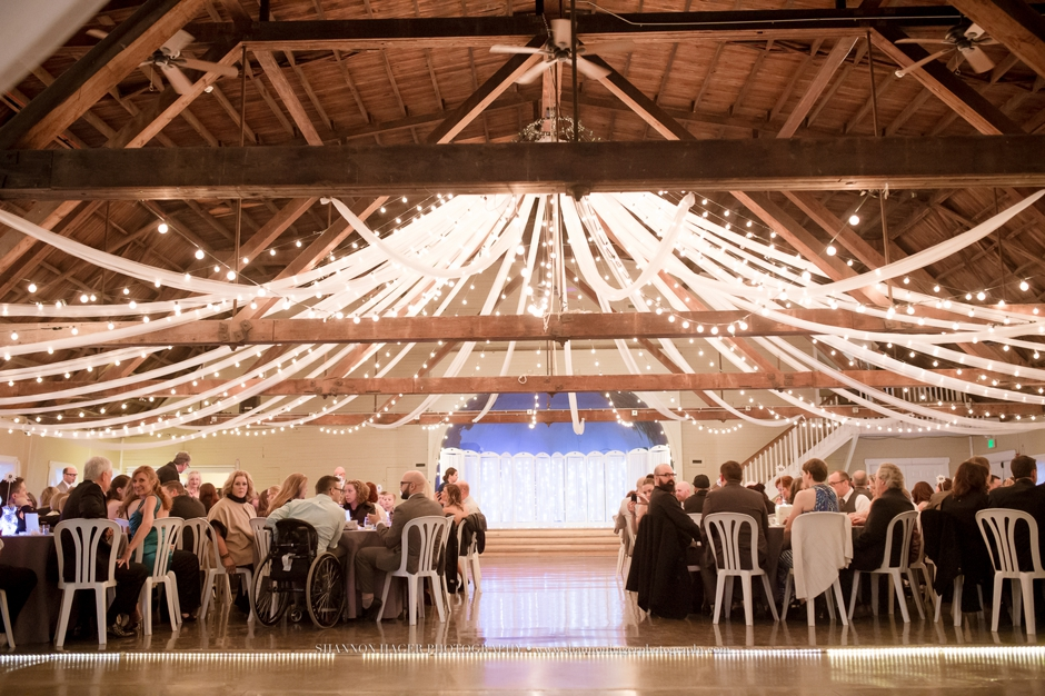 Shannon Amp Michael S Winter Wedding At Green Villa Barn Independence Oregon 187 Portland Wedding