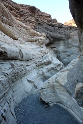 Mosaic Canyon trail