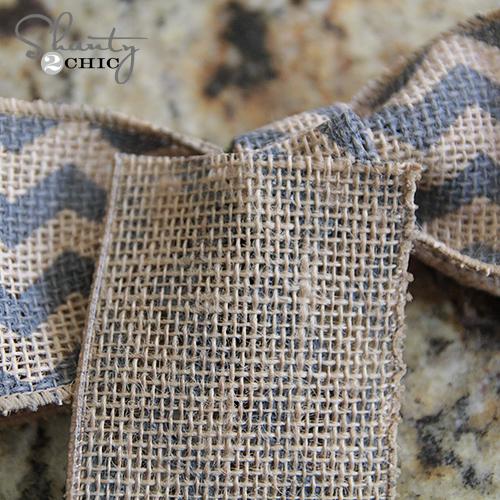 Make a Burlap bow 2