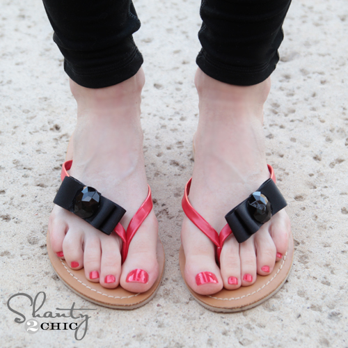 b46c3ad61921 Shoe Clips on Flip Flops · DIY Shoe Clips