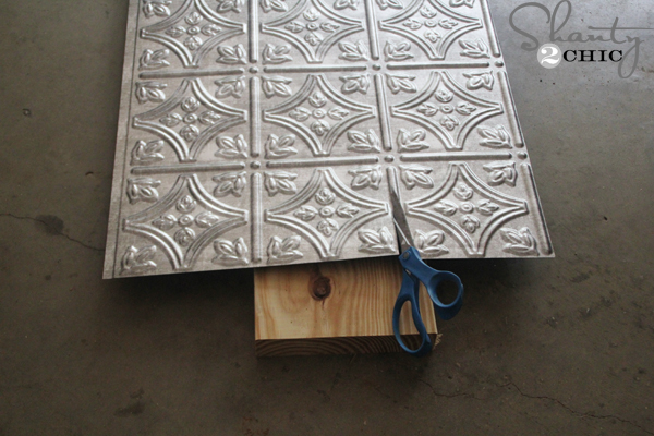 Cutting-Metal-Tile