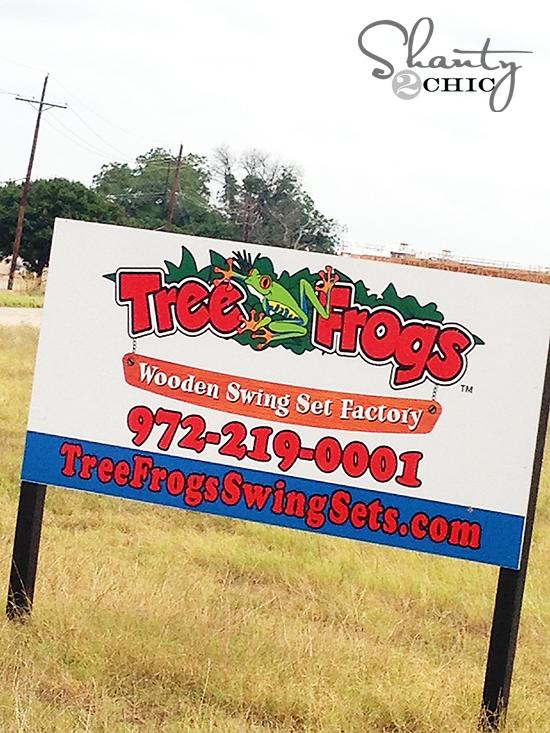 Tree Frogs Wood Swingset