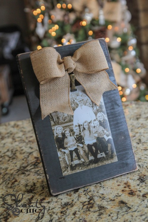 DIY Burlap Bow Photo Frame