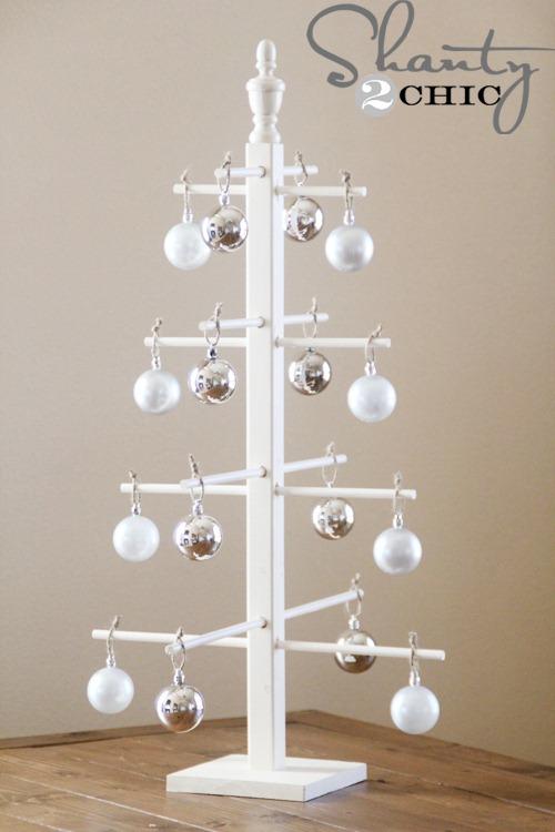 Ten-Dollar-Wooden-Ornament-Tree