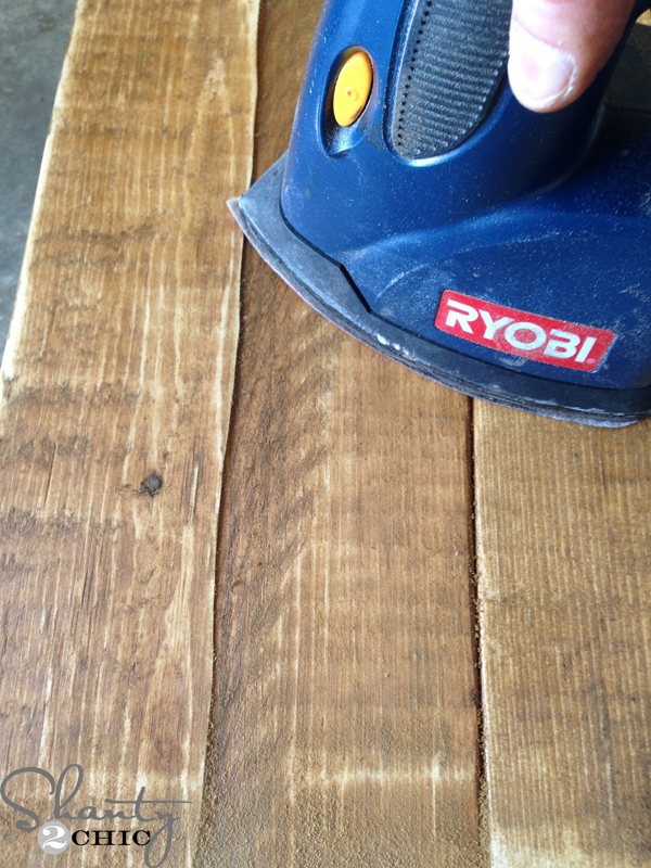 distressing-wood