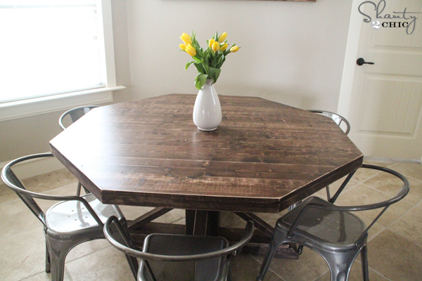 DIY-round-table-with-trusses