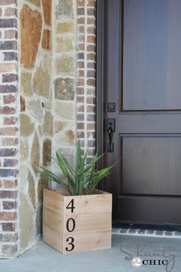 DIY-House-Number-Planter-Box