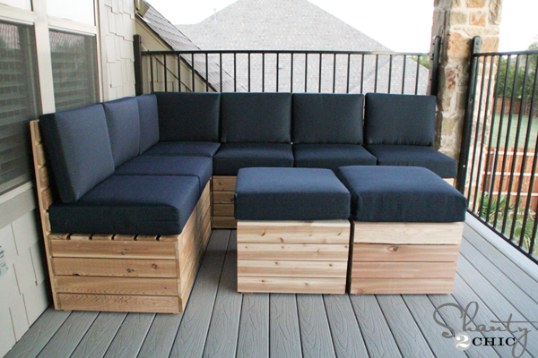 Genial DIY Outdoor Wood Sectional