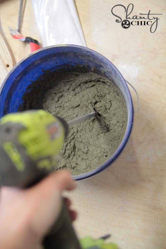 Mixing concrete mortar