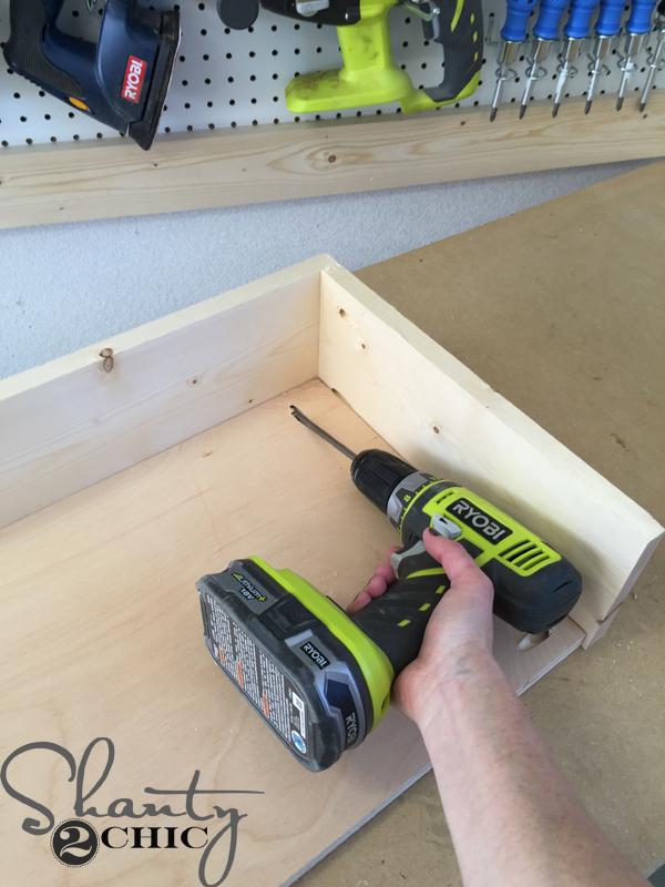 attach-desk-bottom-to-side