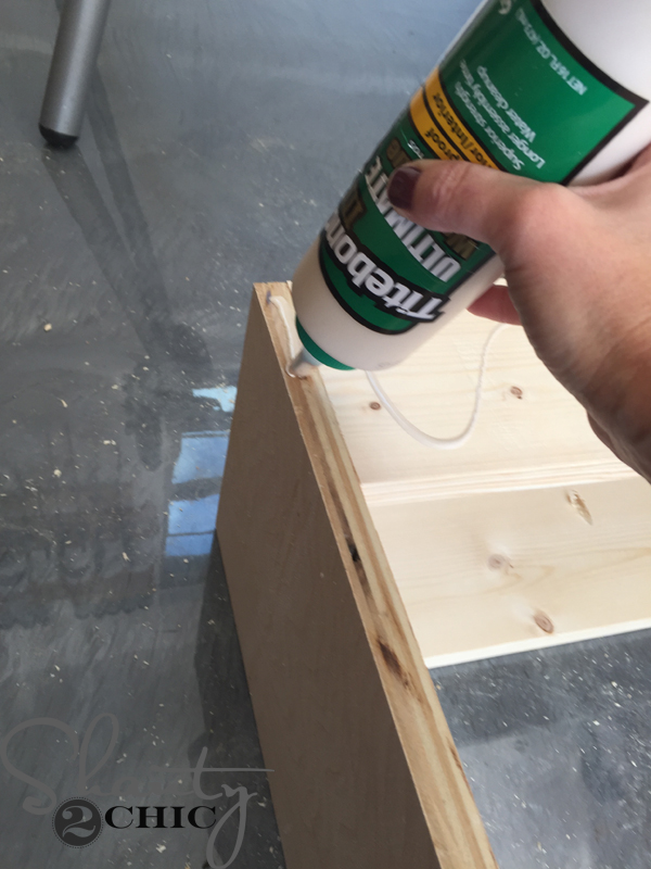 apply-wood-glue-to-attach-face-frame