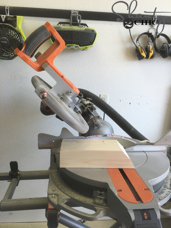 cut-angles-on-table-legs