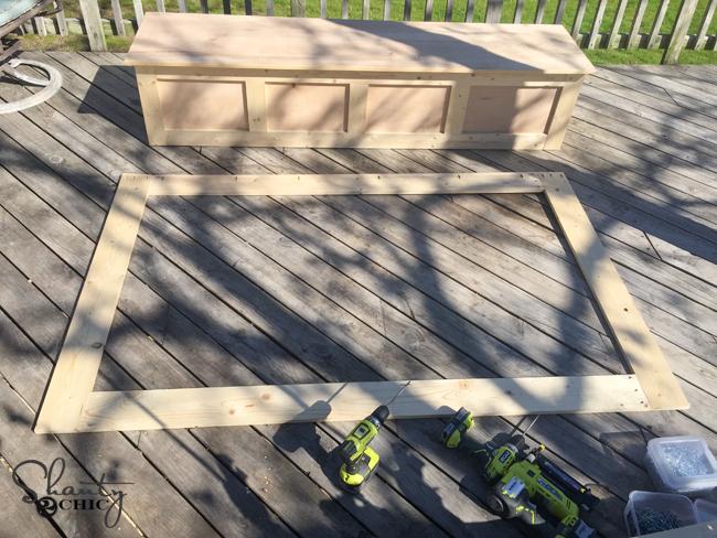 outside-frame-of-bench