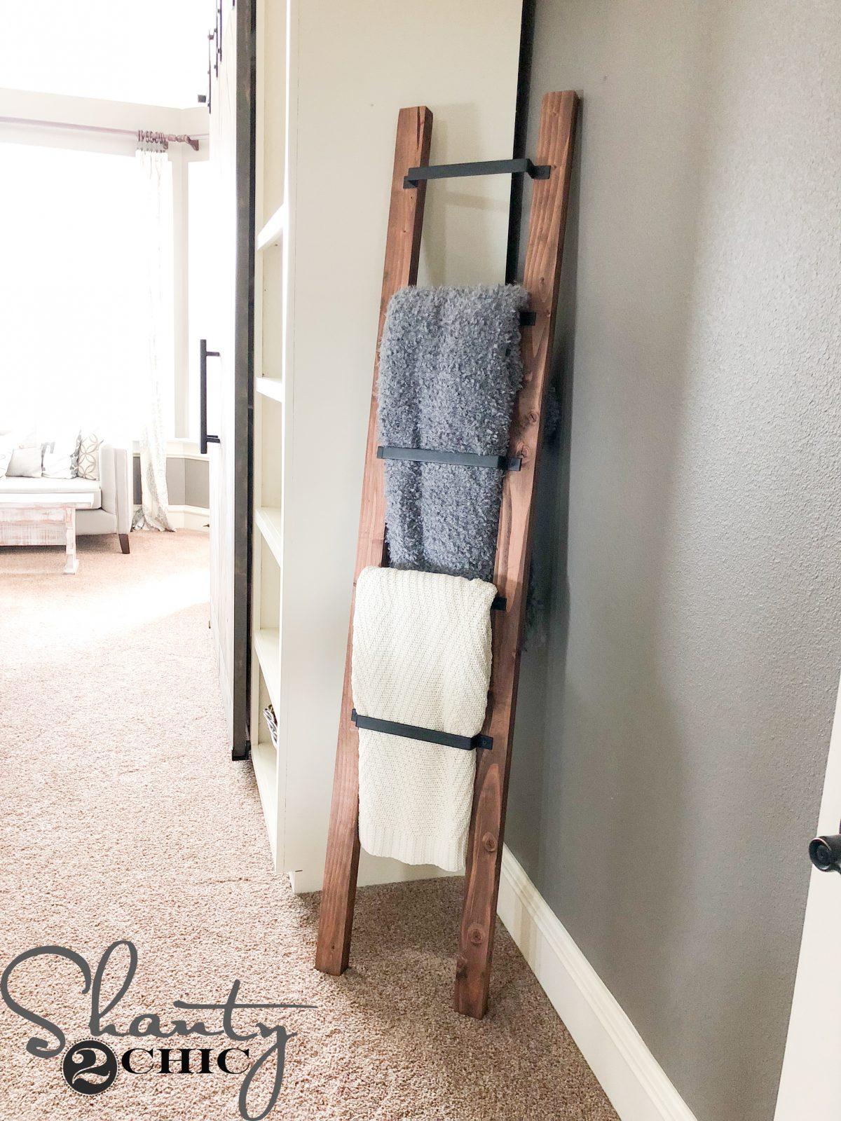 Barn Door Pull Blanket Ladder   An Easy 15 Minute DIY Blanket Ladder!