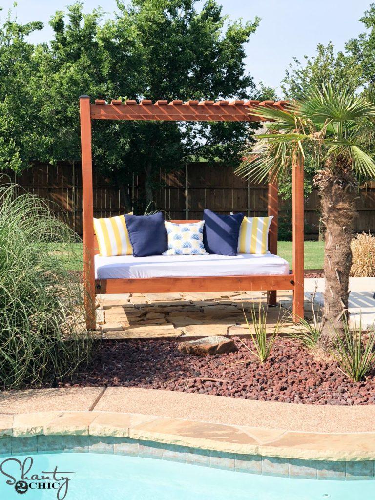 DIY Outdoor Day Bed
