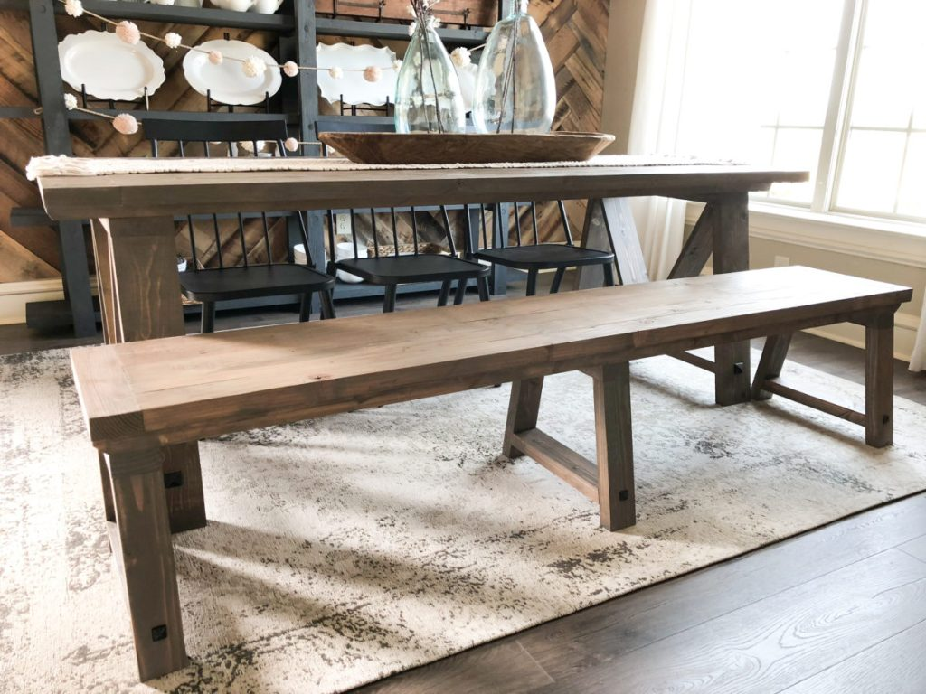 DIY Fancy V Dining Bench