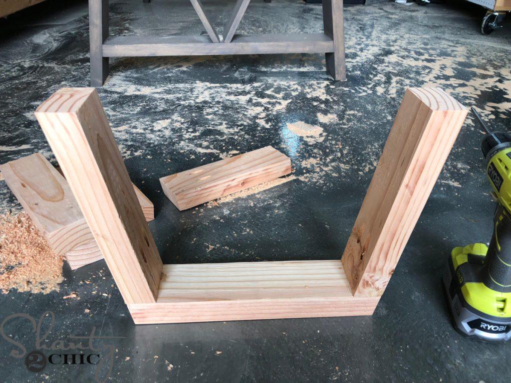 DIY Fancy V Dining Bench
