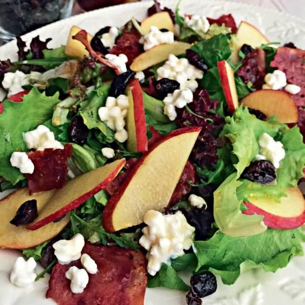 Συνταγή για σαλάτα με φράουλες και σπανάκι από το σεφ-διαιτολόγο Μάνο Δημητρούλη