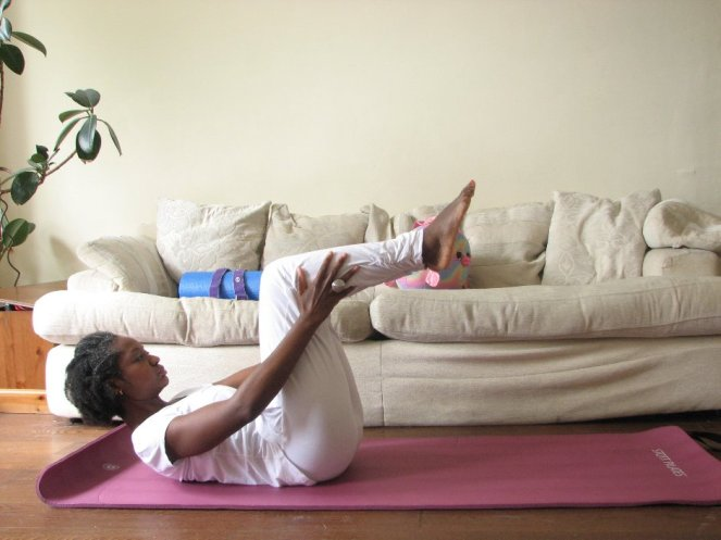 Flat belly Pilates exercise beginners