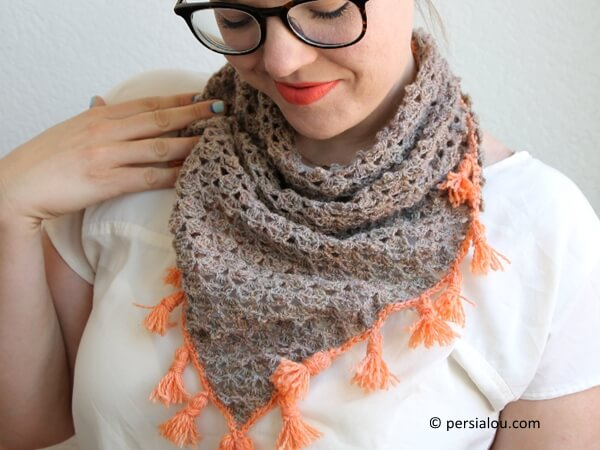 TASSELED CROCHET NECKERCHIEF