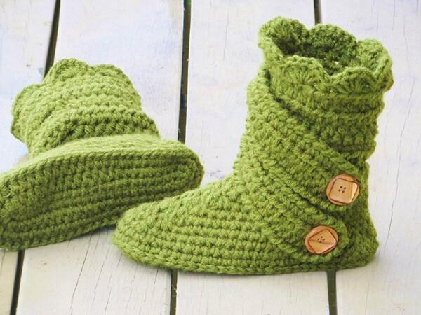 Crochet Woman's Slipper Pattern