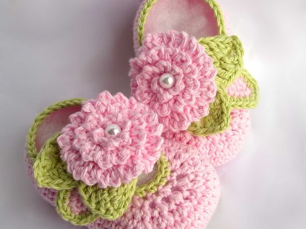 Cute Baby Booties with little flower and leaves