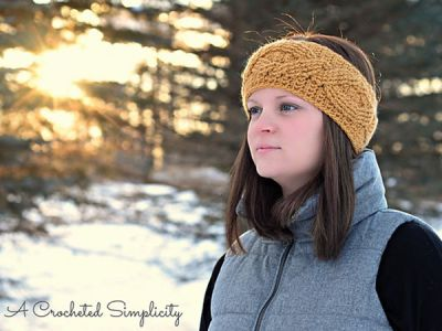 Chic Cabled Headwarmer