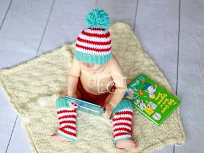 Stripe pompom hat and leg warmers