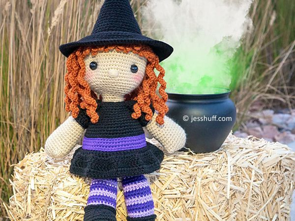 crochet Regina the Witch free pattern