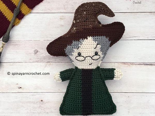 crochet Professor Minerva McGonagall free pattern
