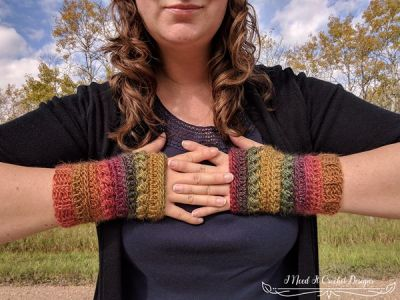 crochet The Bauble Fingerless Gloves free pattern