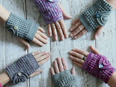 CROCHET Ammonite Wrist Warmers free pattern