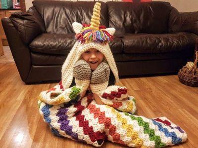crochet 2in1 Rainbow Unicorn Hooded Blanket easy pattern