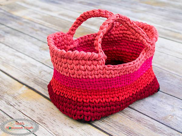 crochet T-Shirt Yarn Bag free pattern