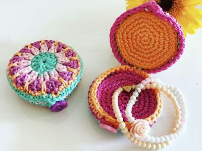 crochet Small Gift Box free pattern