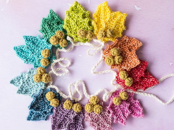 crochet Christmas Rainbow Holly Garland easy pattern