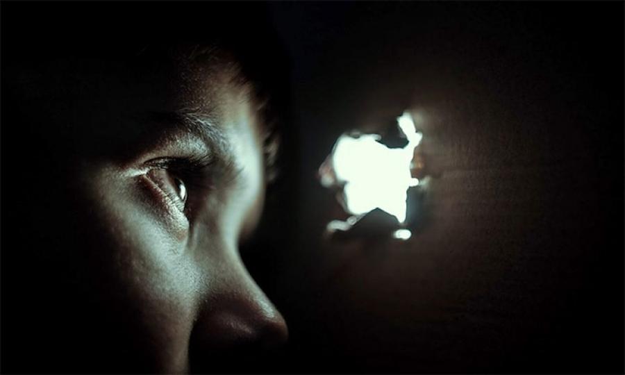 قلع أظافر وغرز أسياخ …توثيق حالات تعنيف أطفال في لبنان