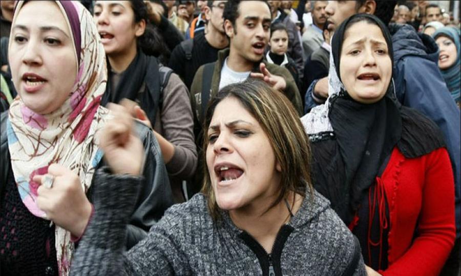 حوالي نصف المصريات المتزوجات معنّفات!