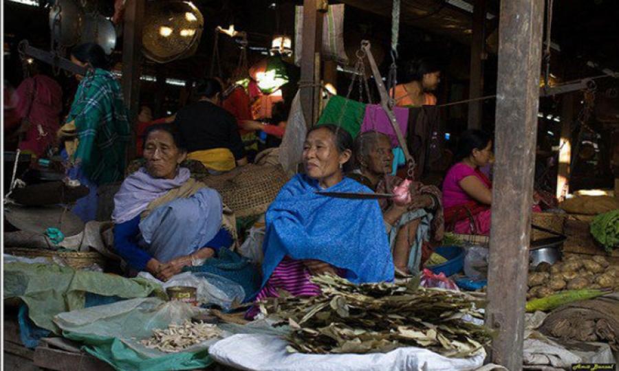 أكبر سوق للنساء في آسيا ..سوق الأم في الهند