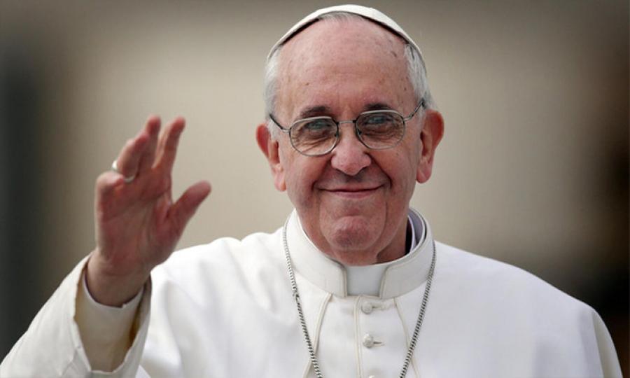 بابا الفاتيكان يحسم الأمر كهنوت المرأة مرفوض