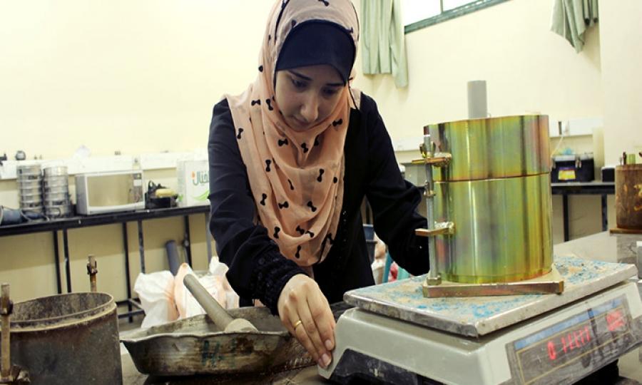 مهندسات فلسطينيات ينجحنّ في رفع الحصار عن قطاع غزة