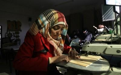 حوالي نصف النساء الفلسطينيات يسهمن في دخل الأسرة