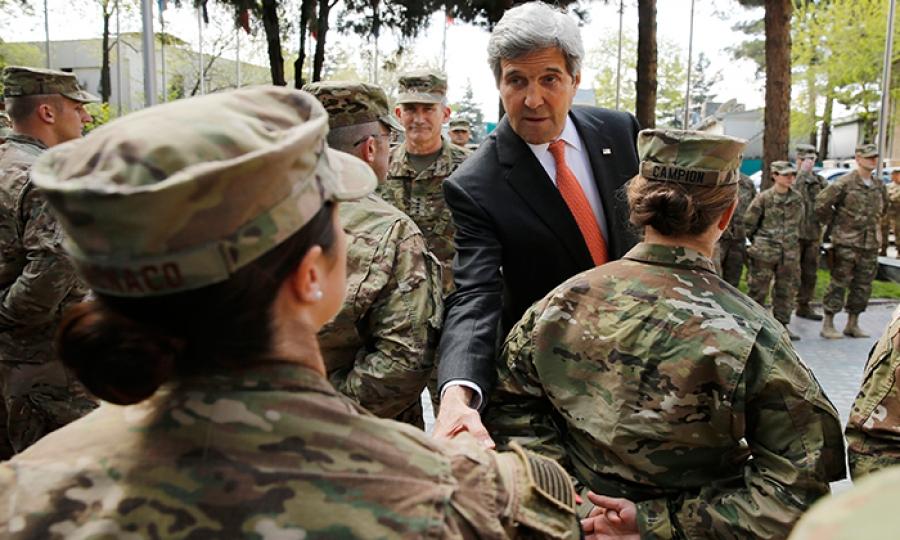 جنديات الجيش الأميركي… إلى القواعد القتالية درّ