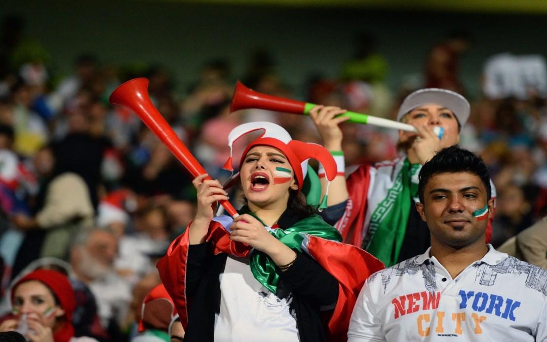 السلطات الإيرانية تسمح للنساء بحضور مباريات تصفيات كأس العالم لكرة القدم للرجال