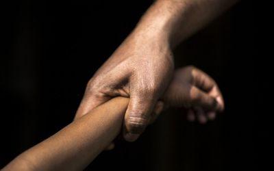جريمة مروّعة في المغرب… مجرم في الستين يغتصب طفلة!