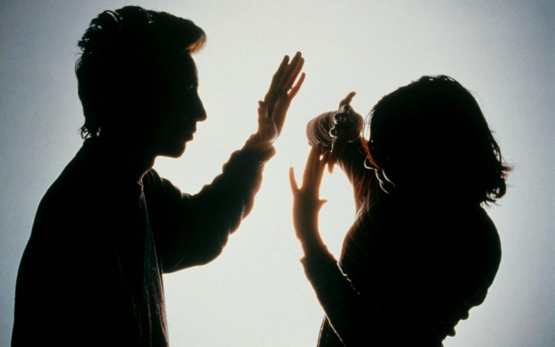 ليُثبت أنّه رجل… اعتدى على زوجته وأدخلها العناية المركزة بعد ثلاث ساعات من زفافهما