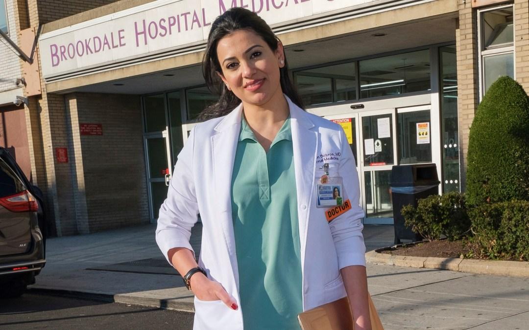 اختيار طبيبة مصرية «بطلة كورونا» لدورها في مواجهة الوباء في أميركا