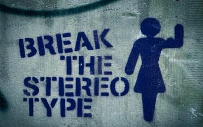 حملة تنمر طالت الصحفية التونسية فدوى شطورو بسبب ظهورها أمام الكاميرا دون مساحيق تجميل